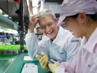 Тим Кук не видит проблемы падения продаж iPhone и доволен iPhone XR