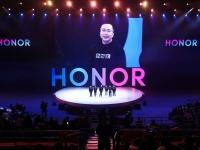 Бренд HONOR показывает рост 27.1%,  несмотря на падение глобального рынка смартфонов