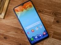 AMOLED за копейки: даже модель Samsung Galaxy A10 получит экран с органическими светодиодами