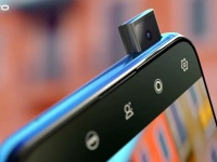 Vivo V15 Pro с выдвижной 32-Мп фронтальной камерой засветился в официальном видеоролике