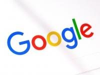 Google займется выпуском фитнес-браслетов и умных часов