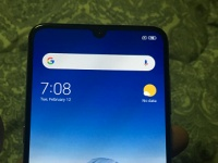 Самые качественные живые фото Xiaomi Mi 9 демонстрируют смартфон в рабочем состоянии и подтверждают его характеристики