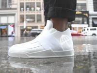 Правила ухода за белыми кроссовками