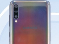 Регулятор рассекретил смартфон Samsung Galaxy A70 с тройной камерой
