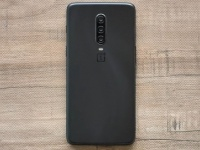 OnePlus 7 Pro впервые показал тройную камеру на фото?