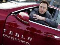 Илон Маск запустит сервис беспилотного такси
