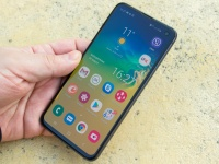 Видеообзор смартфона Samsung Galaxy S10e от портала Smartphone.ua!