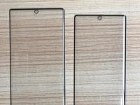Фронталка в экране по центру Samsung Galaxy Note 10 на фото стекла