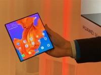 Стала известна цена складного смартфона Huawei Mate X 5G с гибким экраном