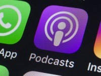 Apple планирует покупать эксклюзивные права на различные подкасты