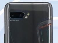 ASUS ROG Phone II с батареей 5800 мАч на фото со всех сторон