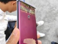 Huawei Mate 30 Pro с «водопадным» экраном с нового ракурса на фото