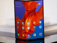 Складной телефон Huawei Mate X поступит в продажу в конце октября с важными обновлениями