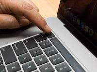 Apple оправдала отсутствие новых разъемов в MacBook