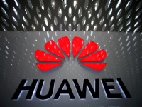 Huawei планирует перевести исследовательский центр из США в Канаду