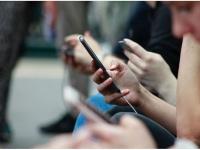 Apple загребает две трети прибыли на мировом рынке сотовых телефонов