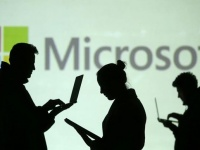 Microsoft размышляет над новыми очками дополненной реальности