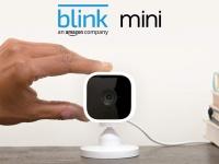 Компактная камера наблюдения Amazon Blink Mini стоит $35