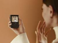 Возвращение легенды: В Украине начался предзаказ на смартфон с гибким экраном motorola razr