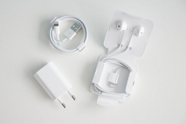 Новый iPhone SE заряжается катастрофически медленно. Покупка отдельного быстрого ЗУ ситуацию исправляет лишь отчасти