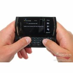 Sony Ericsson Vivaz Pro - фото 6