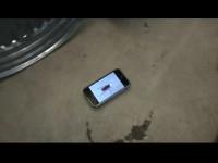 Apple iPhone в роли насекомых