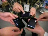 Играем сразу на трех iPhone...