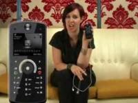 Видео обзор Motorola Rokr E8